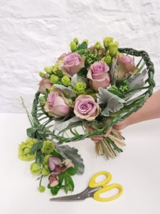 Hand-tied Academy of Floral Art 2_preview